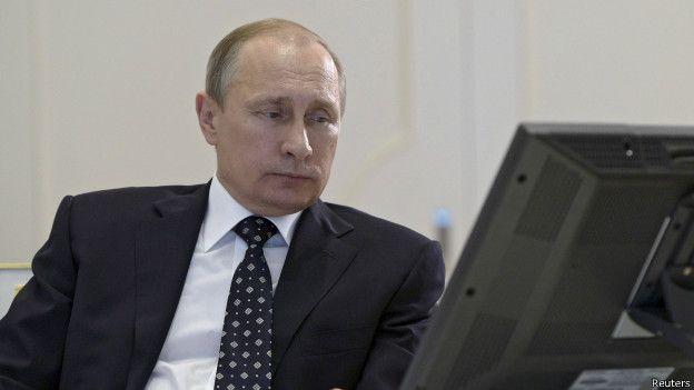 Журналист Guardian отрекся от книги про Путина, которую якобы он написал