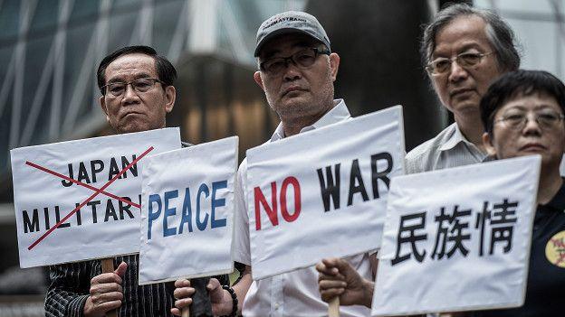 Антивоенный пикет в Гонконге