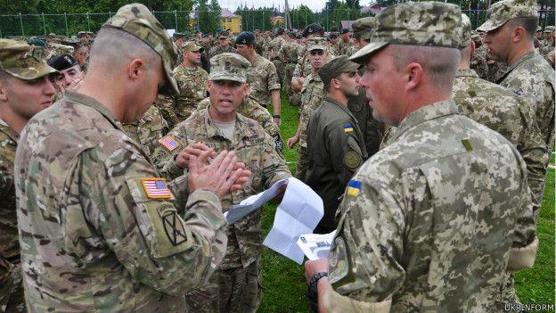 Солдаты армий Украины и США