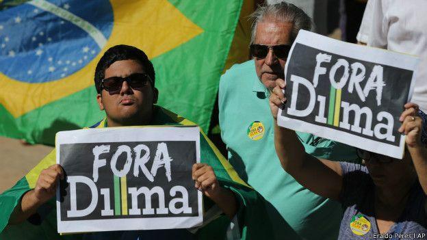 Protesto contra Dilma em Brasília (Foto: Eraldo Peres/AP)