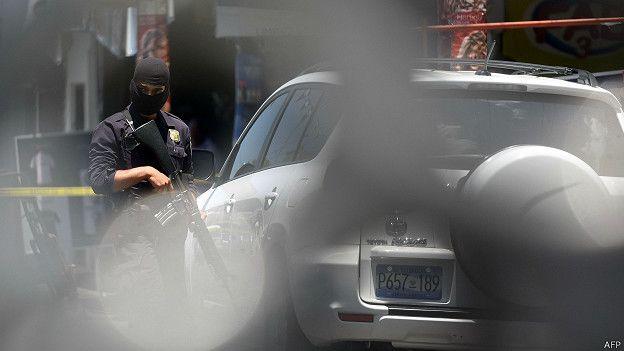 http://ichef-1.bbci.co.uk/news/ws/624/amz/worldservice/live/assets/images/2015/08/21/150821234710_sp_salvador_crime_624x351_afp.jpg