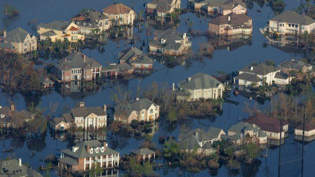 Casas inundadas por el huracán.