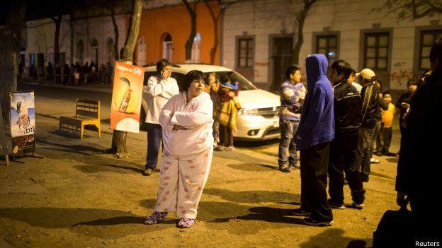 ¿Qué hace que los terremotos de gran magnitud sean menos mortíferos en Chile que en otros países sísmicos? 150917140109_chile_terremoto_624x351_reuters