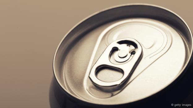 Una lata de refresco