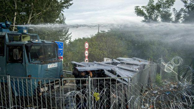 Венгерские силовики на границе