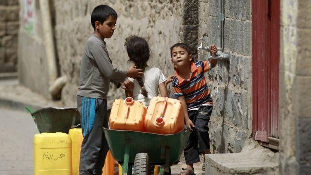 أطفال يمنيين