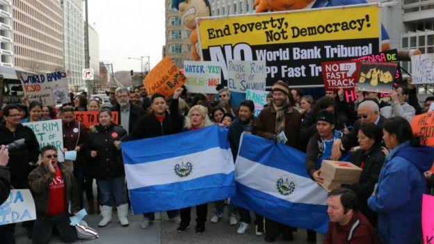 Manifestación contra mineras en El Salvador