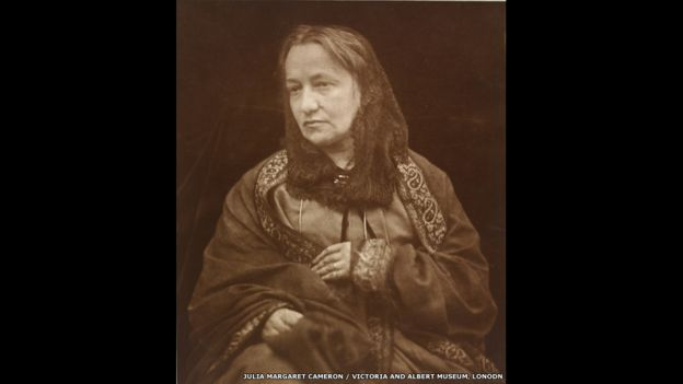 Julia Margaret Cameron, retratada por su hijo Henry Herschel Hay Cameron