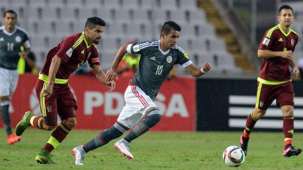 Derlis González dió la victoria a Paraguay.