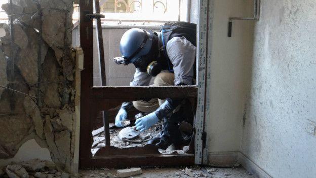 Inspectores de la ONU verifican el uso de armas químicas en Siria.