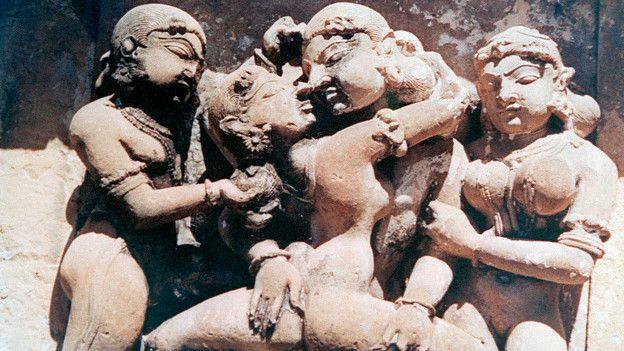 Каменные фигуры на индийском храме на удивление хорошо сохранились