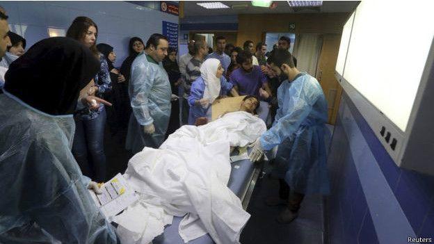Một nạn nhân bị thương trong vụ đánh bom tại Beirut