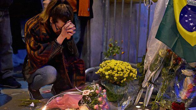 Homenaje a las víctimas de los ataques del 13 de noviembre en París.