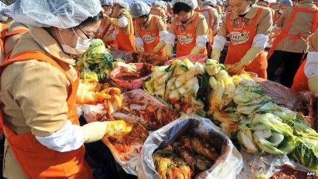 Coreanos del norte en un mercado