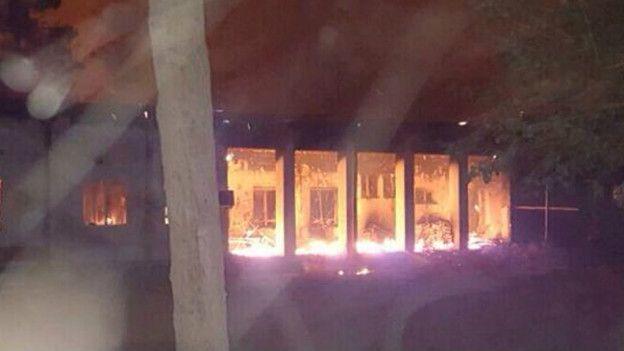 Hospital de Médicos Sin Fronteras en llamas