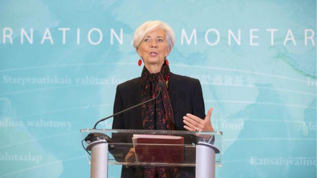 國際貨幣基金組織(IMF)執行董事會11月30日決定將人民幣納入特別提款權(SDR)貨幣籃子