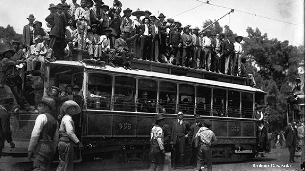 Festejos por la renuncia del expresidente Porfirio Díaz, en 1911