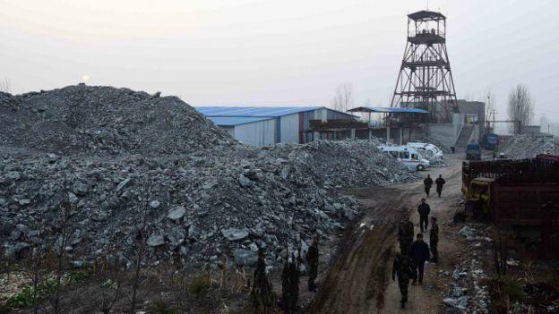 Sập mỏ ở Trung Quốc