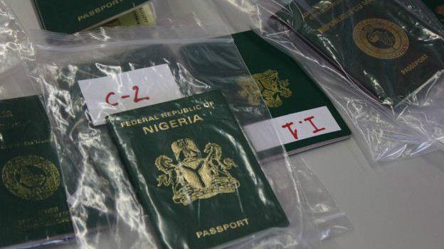 Pasaportes incautados