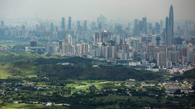 從香港邊界眺望深圳市區(資料圖片)