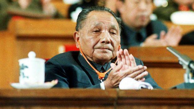 邓小平在人民大会堂(1987年)