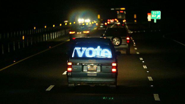 Австомобиль с призывом голосовать