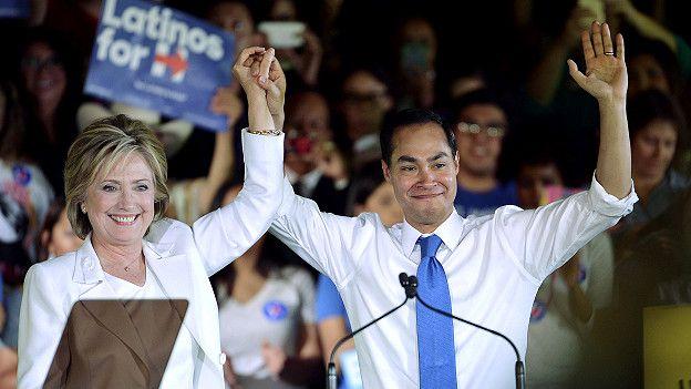 Hillary Clinton con Julian Castro en San Antonio