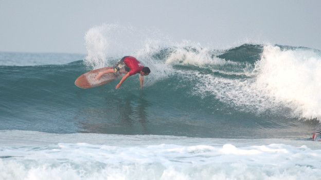 Surfer en Montañita