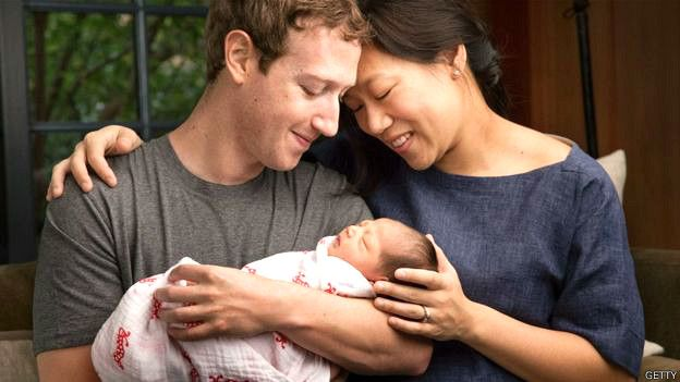 Mark Zuckerberg junto a su esposa Priscilla y su hija Max