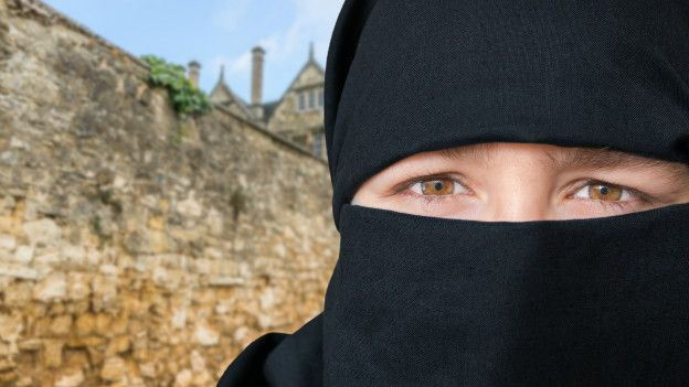 Mujer con hijab