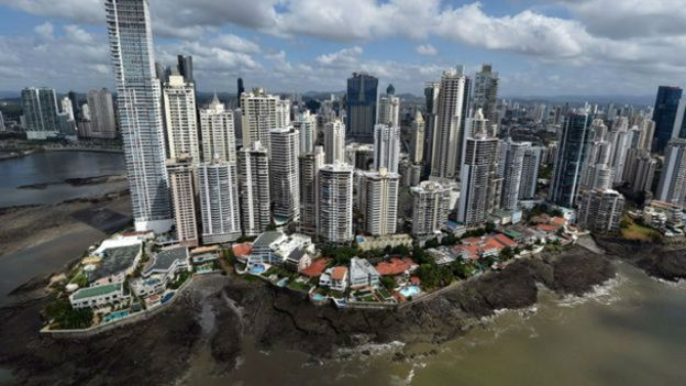 Panamá, en el centro de la tormenta tras la divulgación de documentos que revelan tramas de lavado de dinero.