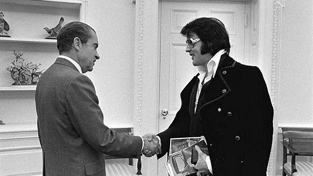 Фотографии и другие предметы, имеющие отношение к исторической встрече, представлены на онлайн-выставке Национального архива