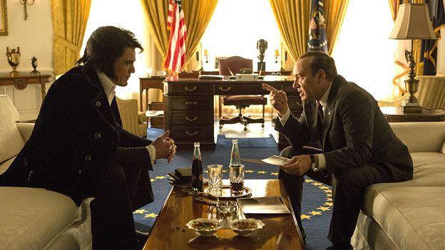 В апреле на экраны выходит сатирическая комедия с участием Майкла Шеннона в роли Элвиса и Кевина Спейси в роли Никсона