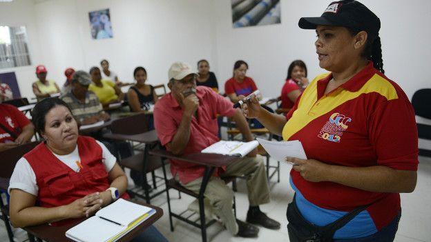 http://ichef-1.bbci.co.uk/news/ws/624/amz/worldservice/live/assets/images/2016/04/05/160405171246_consejo_comunal_venezuela_624x351_getty_nocredit.jpg