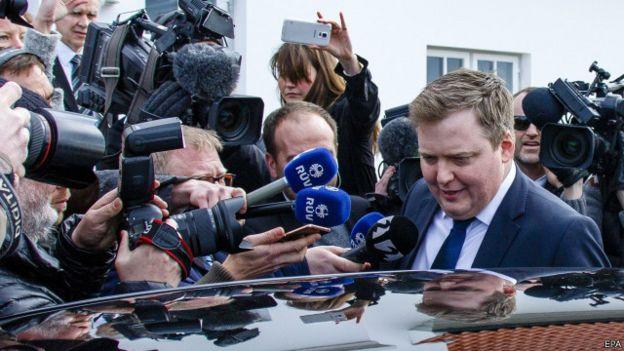 El primer ministro de Islandia abandonó el cargo tras su vinculación en los Panamá Papers.