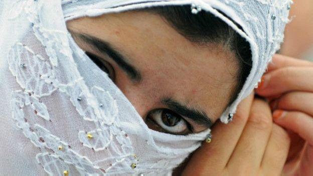 Así se trata a las mujeres en las sociedades Islámicas 160411153113_india_four_624x351_afp_nocredit