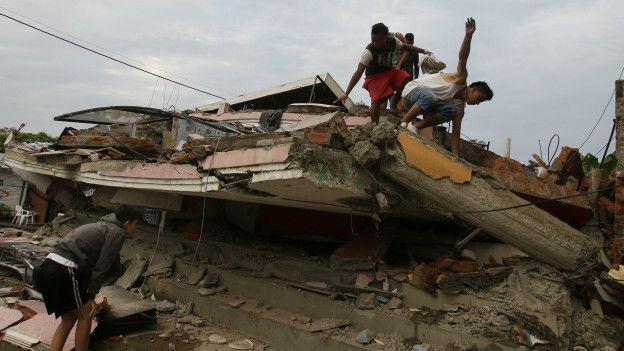 ¿Ecuador estaba preparado para enfrentar un terremoto? 160417170550_sismo_ecuador3_624x351_ap_nocredit