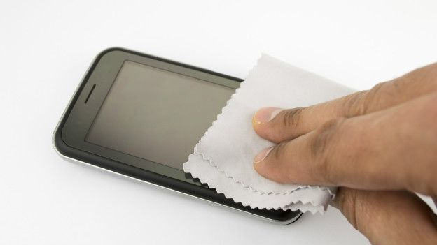 Las pantallas son muy sensibles a cualquier sustancia líquida.