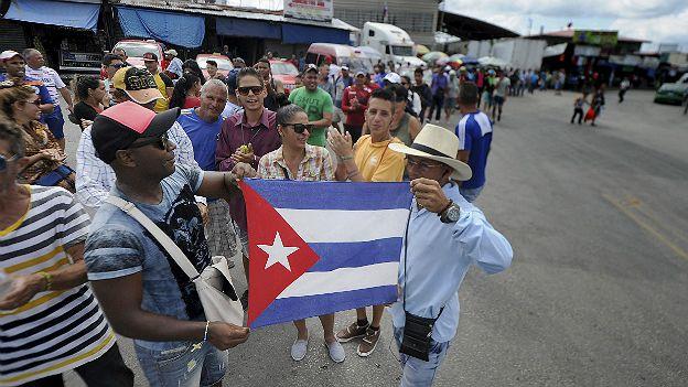 http://ichef-1.bbci.co.uk/news/ws/624/amz/worldservice/live/assets/images/2016/04/26/160426224547_panama_cubanos_reuters_cuatro.jpg