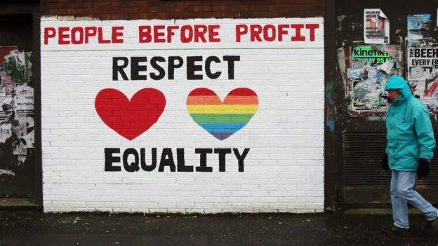 плакат в поддержку однополых браков