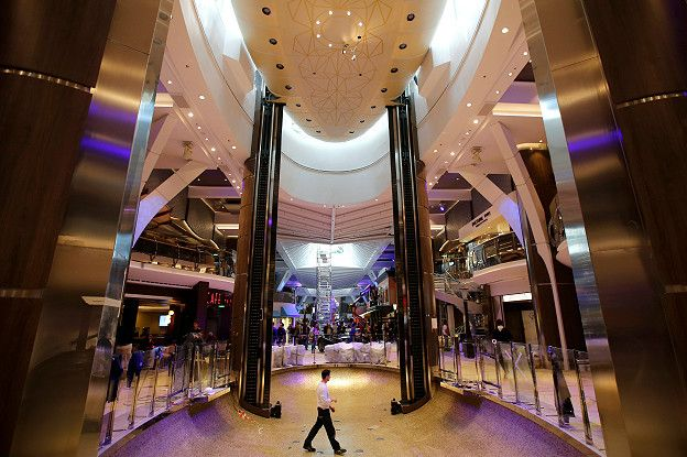 El interior del crucero Harmony of the Seas