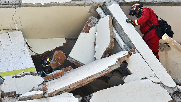 En Manta, según reporta la Fiscalía General de la República, el terremoto dejó al menos 105 muertos.