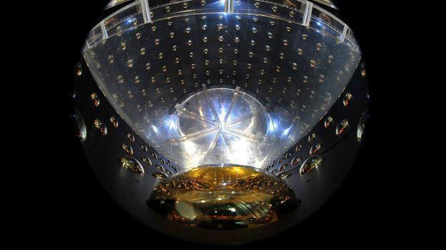 El experimento en bahía Daya es uno de los pocos del mundo que puede ayudar a comprender mejor el comportamiento de los neutrinos.