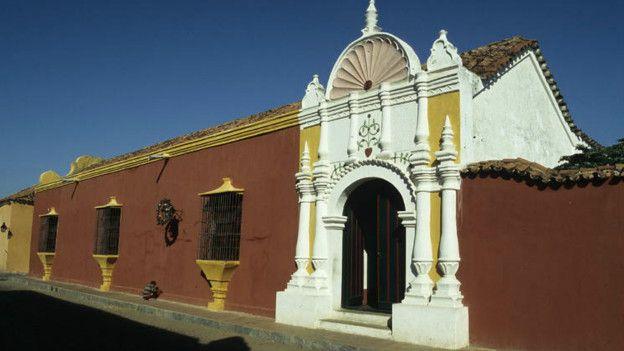 El cambio climático hace peligrar los centenarios edificios de la ciudad venezolana de Coro.