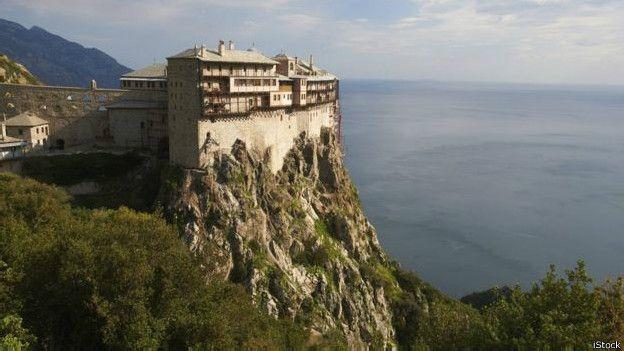Resultado de imagen para De monjes, mujeres y Putin: el Monte Athos