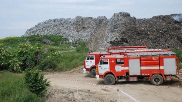 Київ погодився утилізовувати сміття зі Львова