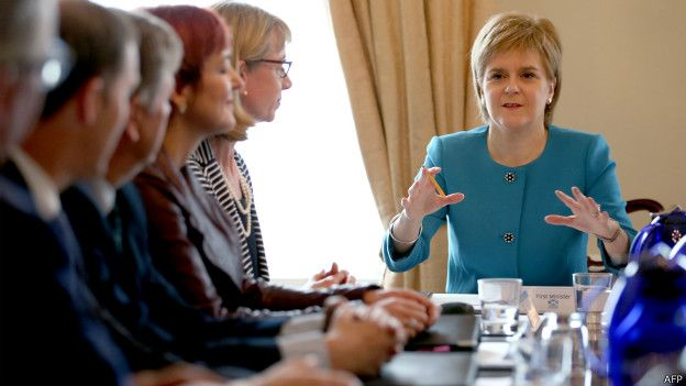 160625115708_scotlands_first_minister_ni