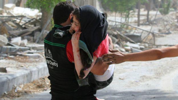 متابعة مستجدات الساحة السورية - صفحة 20 160922222219_airstrikes_on_the_rebel_held_al-qaterji_neighbourhood_of_aleppo_640x360_reuters_nocredit