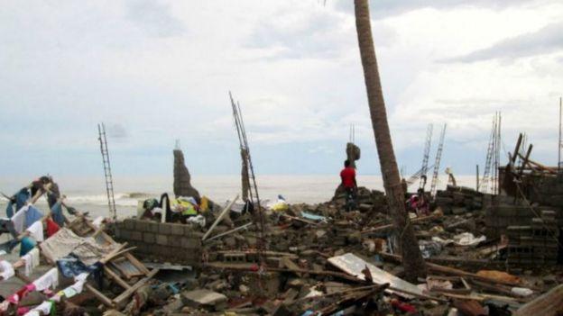 إعصار ماثيو يقتل أكثر من 800 شخص في هايتي 161007135728_mathew_haiti_storm_640x360_afp_nocredit