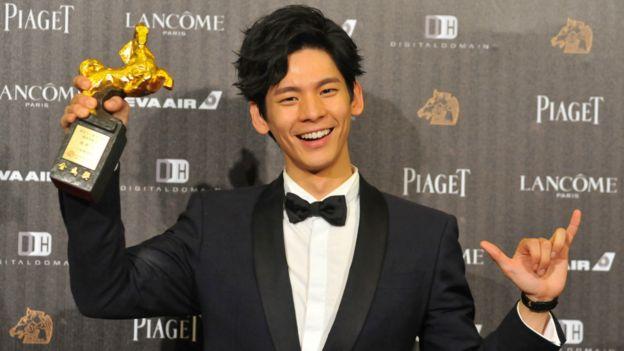 最佳男配角由台灣的林柏宏演出《六弄咖啡館》獲得。